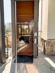 Outdoor Genesis Enclosure in a apartment complex in Louisiana